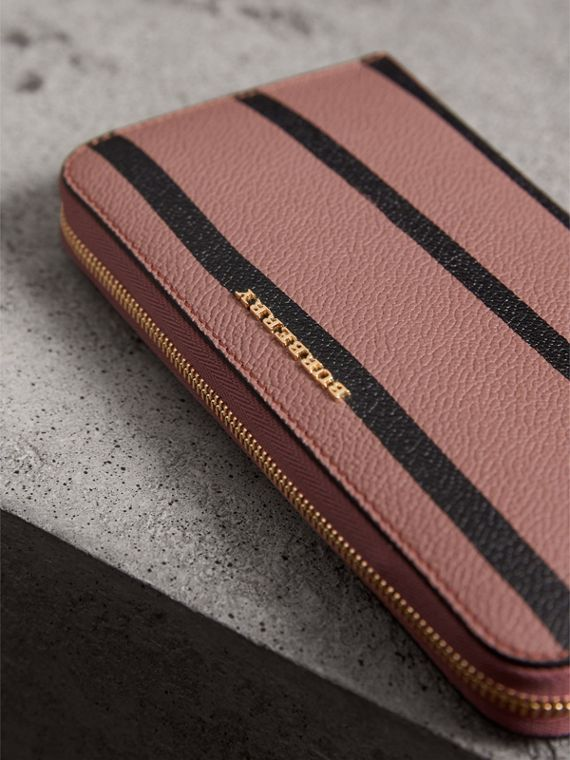 Trompe L'oeil Print Leather Ziparound Wallet in Dusty Pink - Women | Burberry - cell image 3