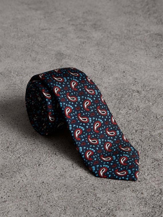 Slim Cut Paisley Silk Twill Tie in Navy