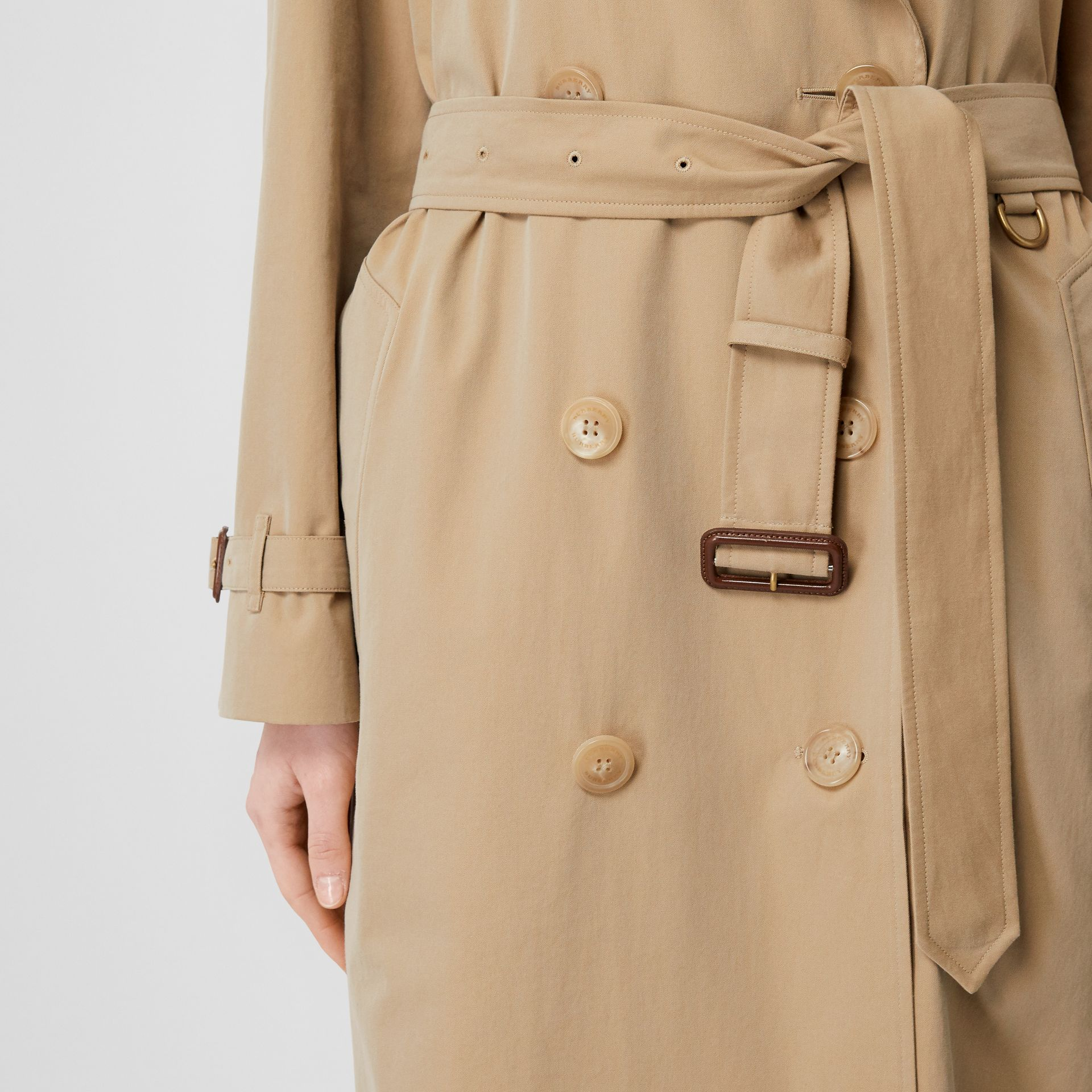 The Westminster Heritage Trench Coat in Honey - Women | Burberry Hong Kong - gallery image 5