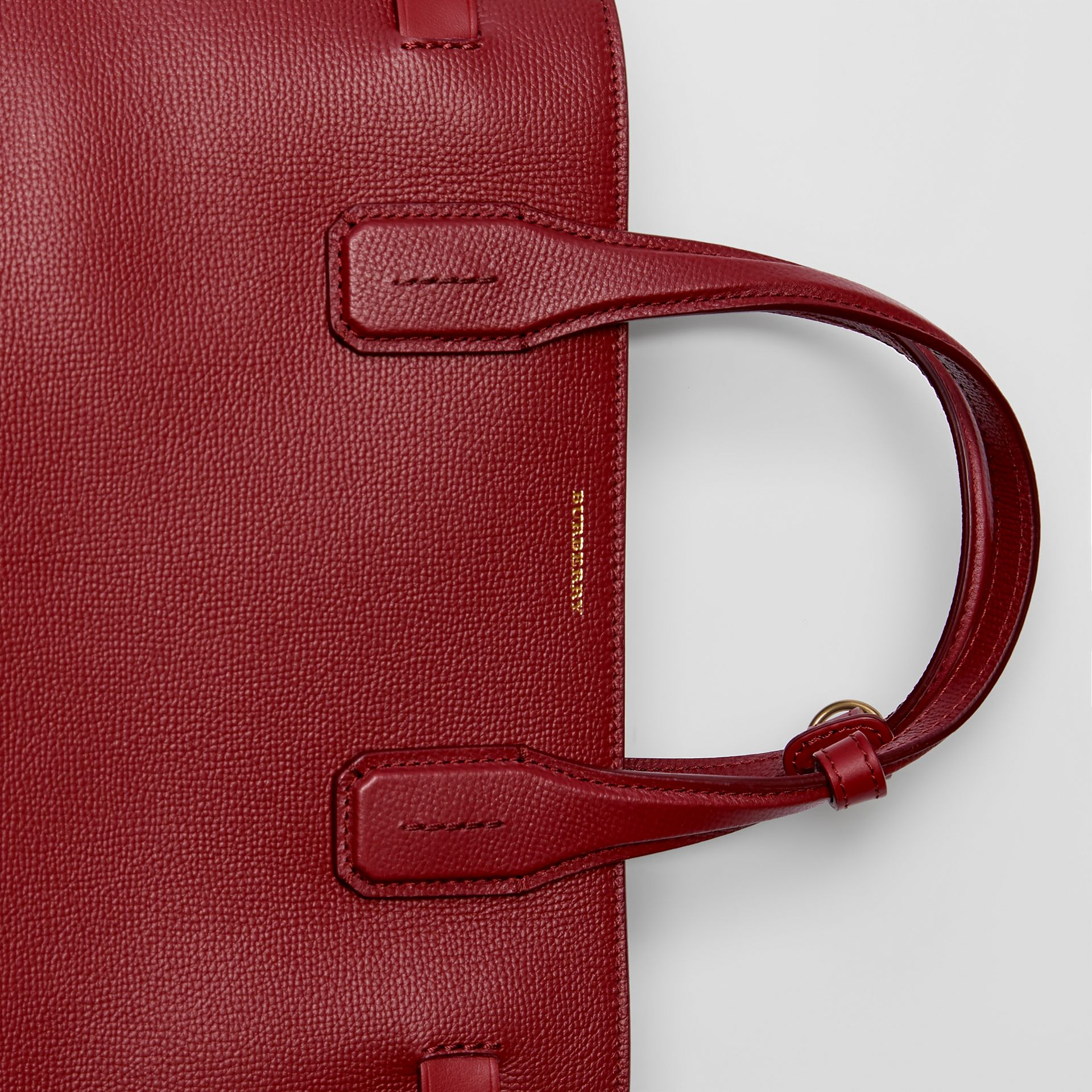 The Medium Banner in Leather with Grommeted Strap in Crimson - Women | Burberry United Kingdom - gallery image 1