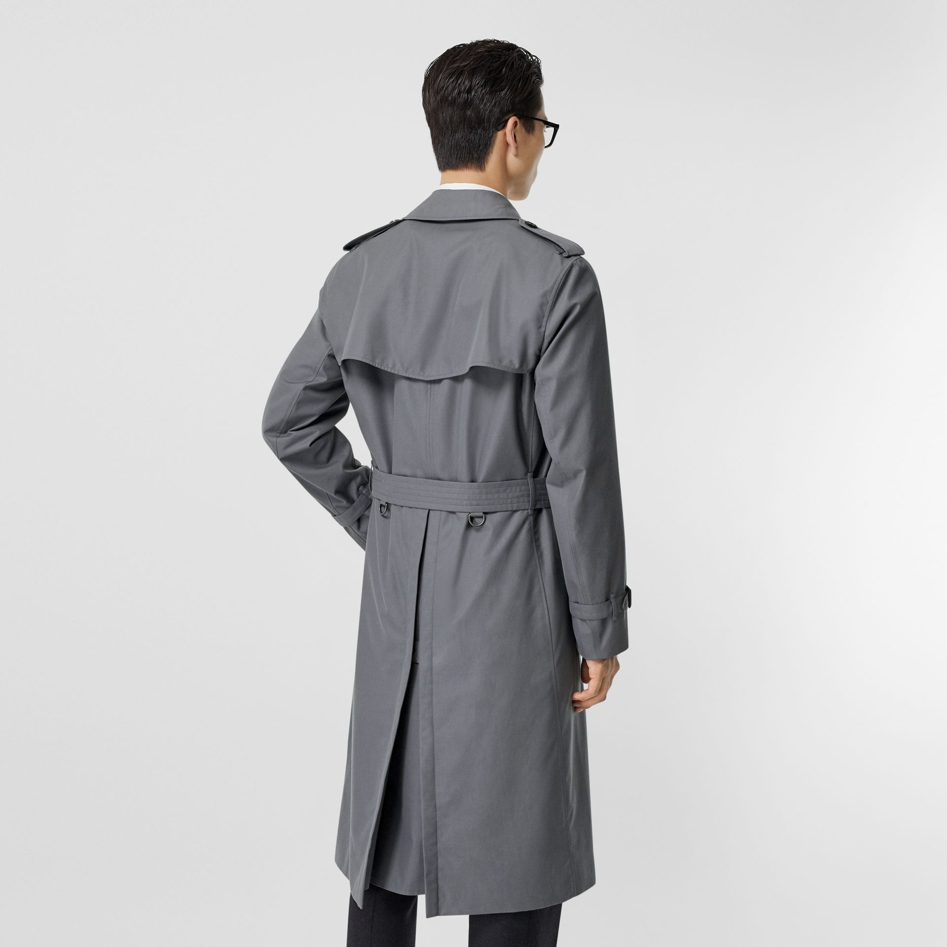 The Long Chelsea Heritage Trench Coat in Mid Grey - Men | Burberry Australia - gallery image 1