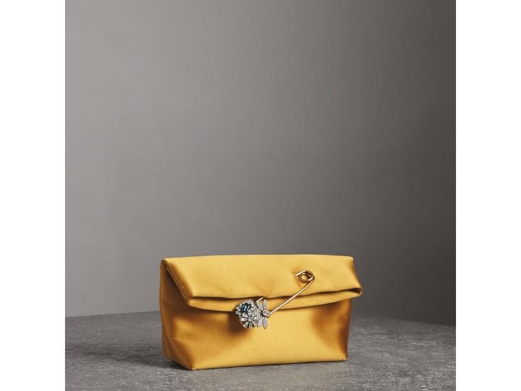 Bolsa Pin Clutch pequena em cetim (Amarelo Âmbar) - Mulheres | Burberry - cell image 4
