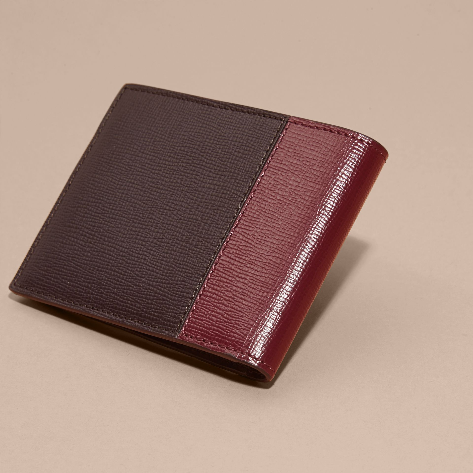 Wine/burgundy red Panelled London Leather Folding Wallet - gallery image 4