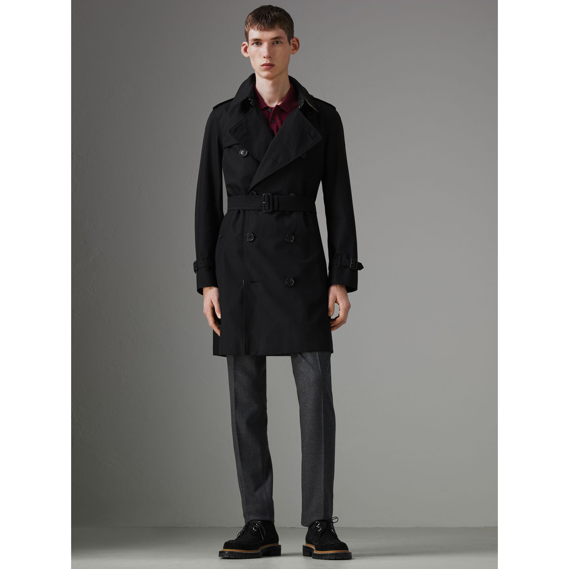 The Chelsea Heritage Trench Coat in Black - Men | Burberry - gallery image 6