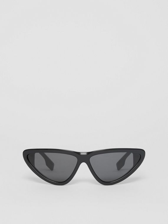 Triangular Frame Sunglasses in Black