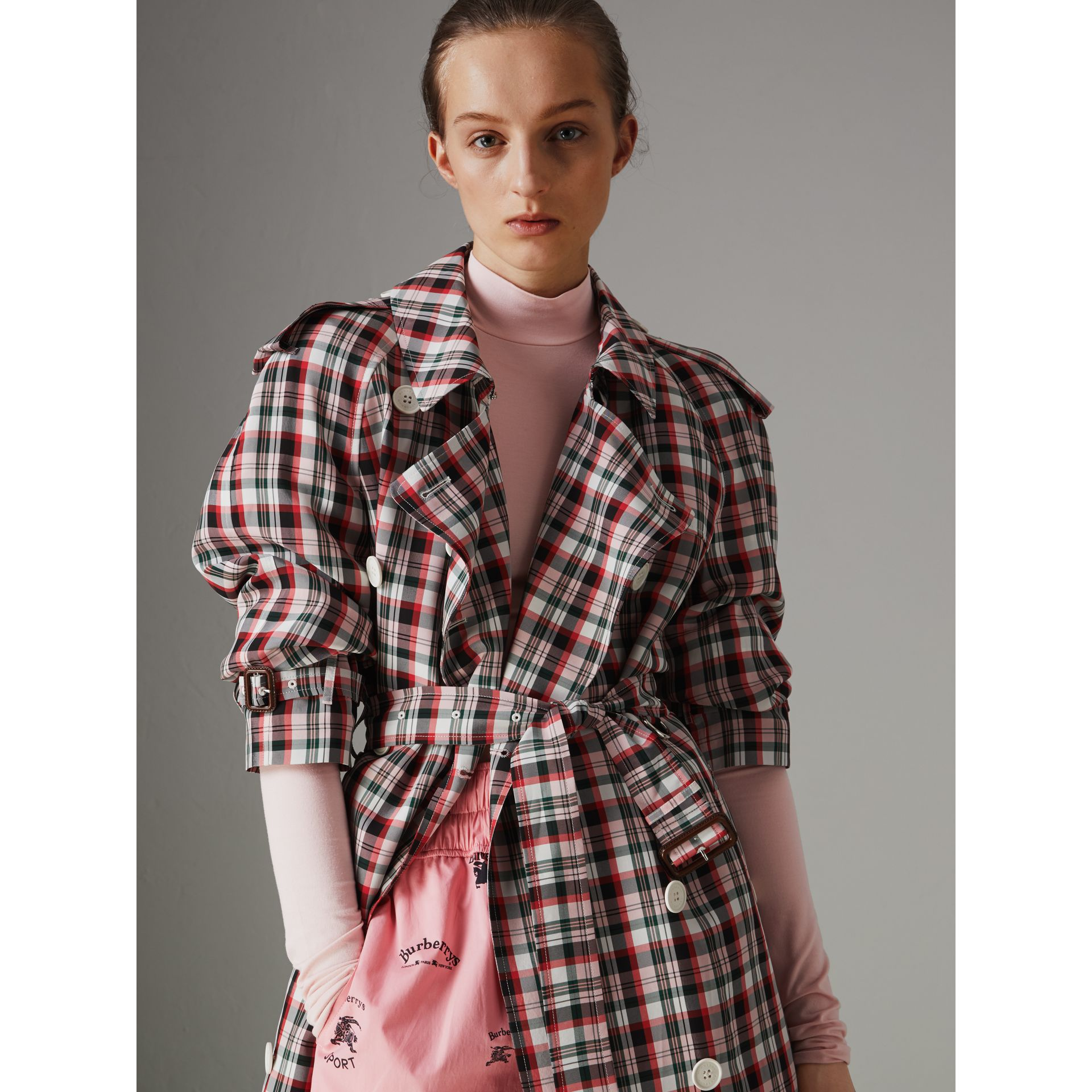 Relaxed Fit Check Trench Coat in Bright Red - Women | Burberry United Kingdom - gallery image 4