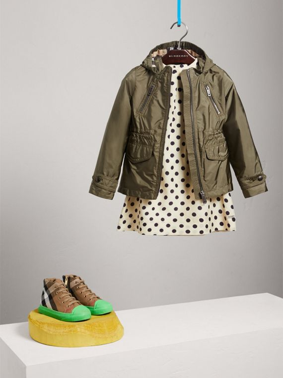 Hooded Packaway Technical Jacket in Olive - Girl | Burberry - cell image 2