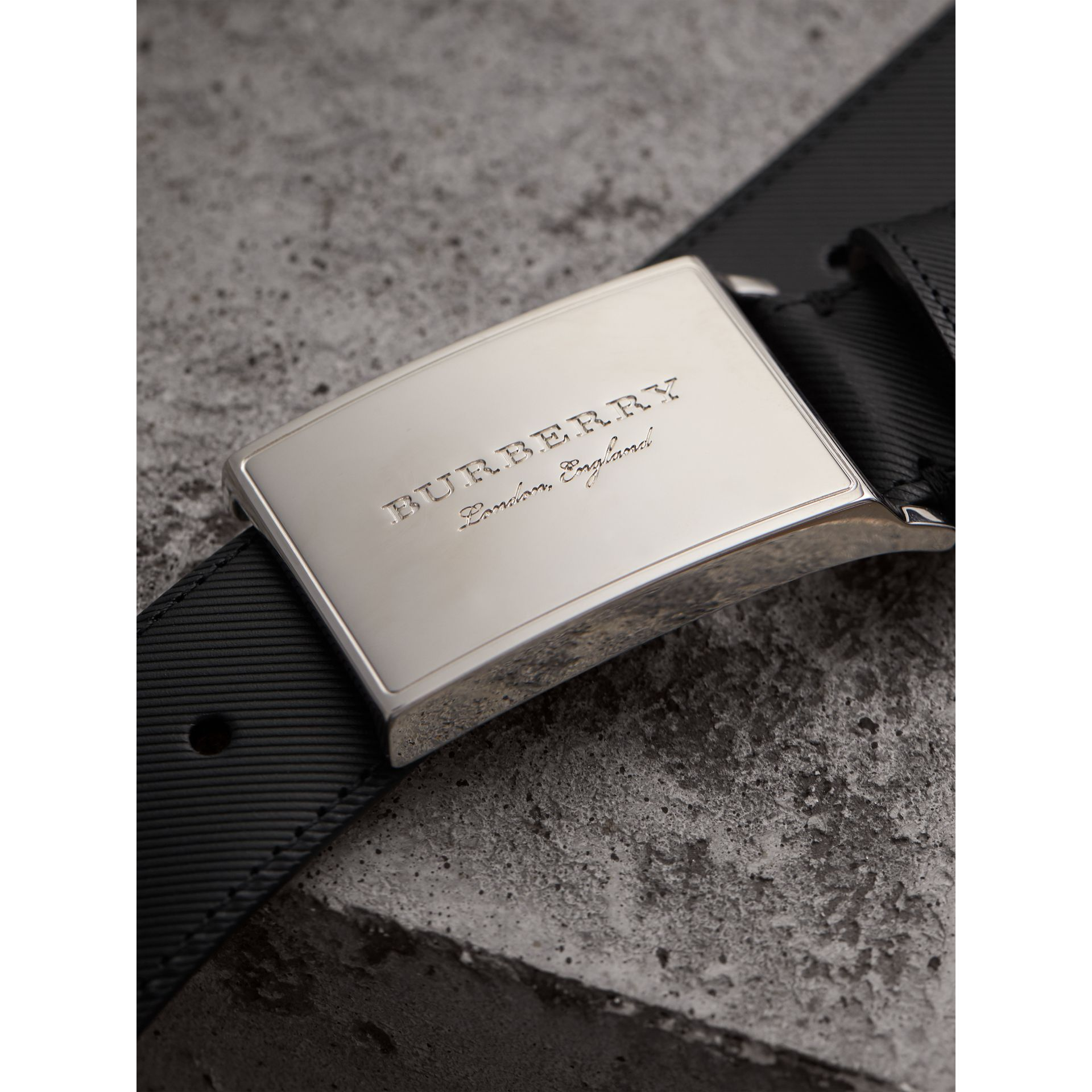 Brass Plaque Buckle Trench Leather Belt in Black - Men | Burberry - gallery image 1