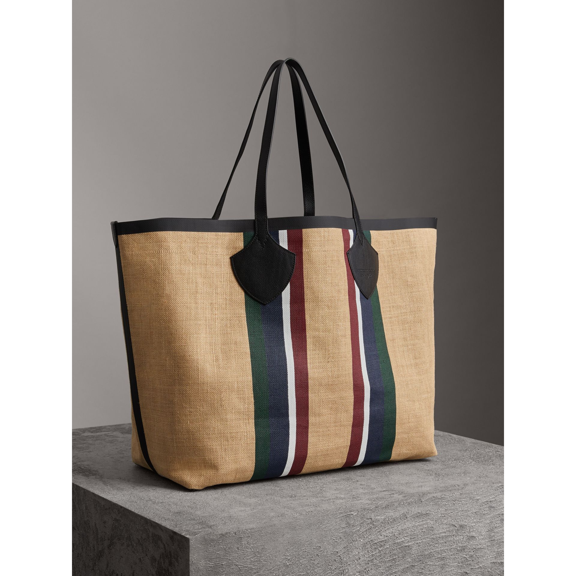 The Giant Tote in Striped Jute in Black - Women | Burberry Hong Kong - gallery image 4