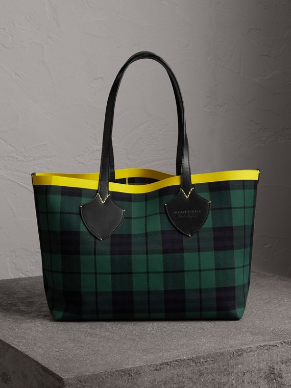 The Medium Giant Reversible Tote in Tartan Cotton in Racing Green/cobalt Blue