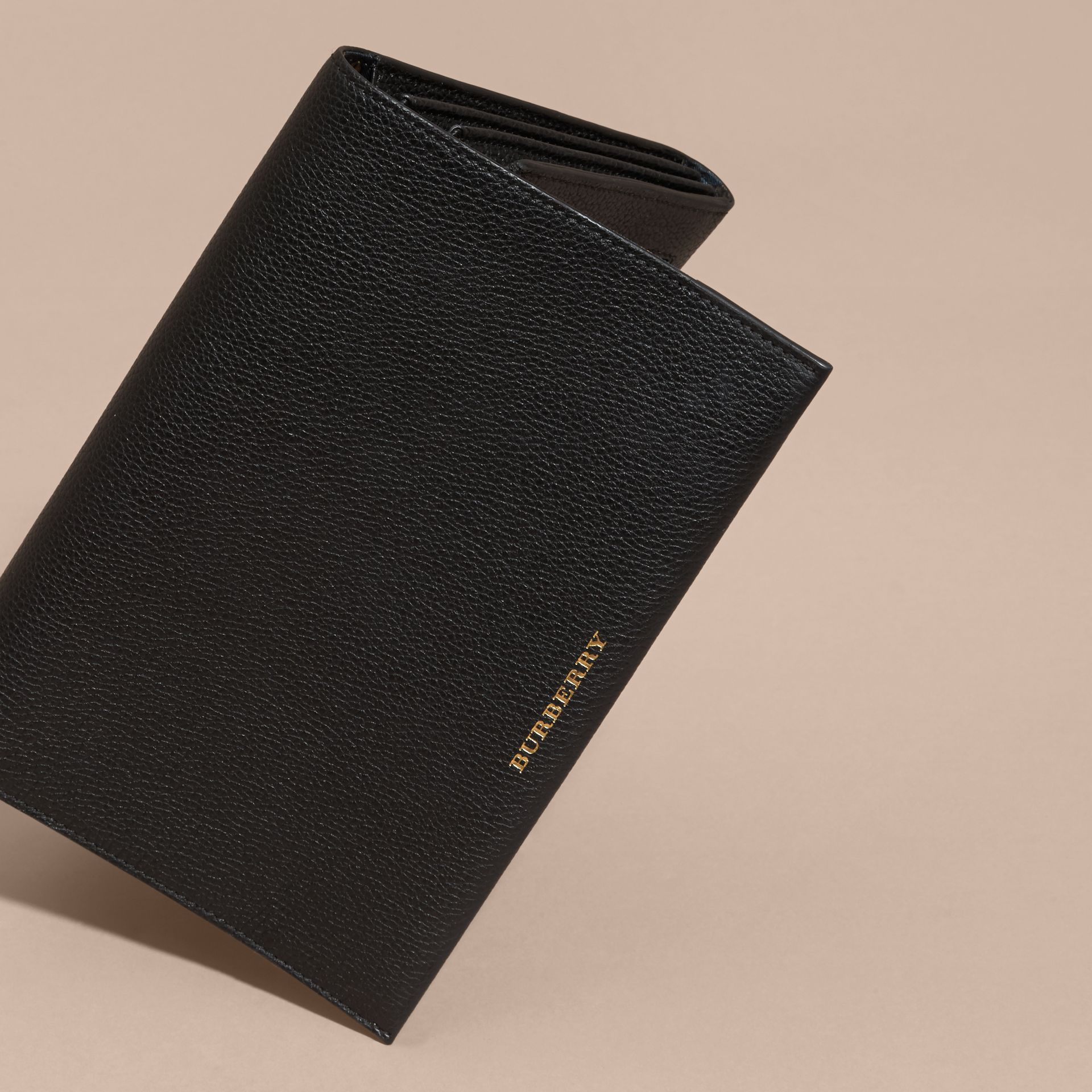 Black Grainy Leather Travel Wallet Black - gallery image 4