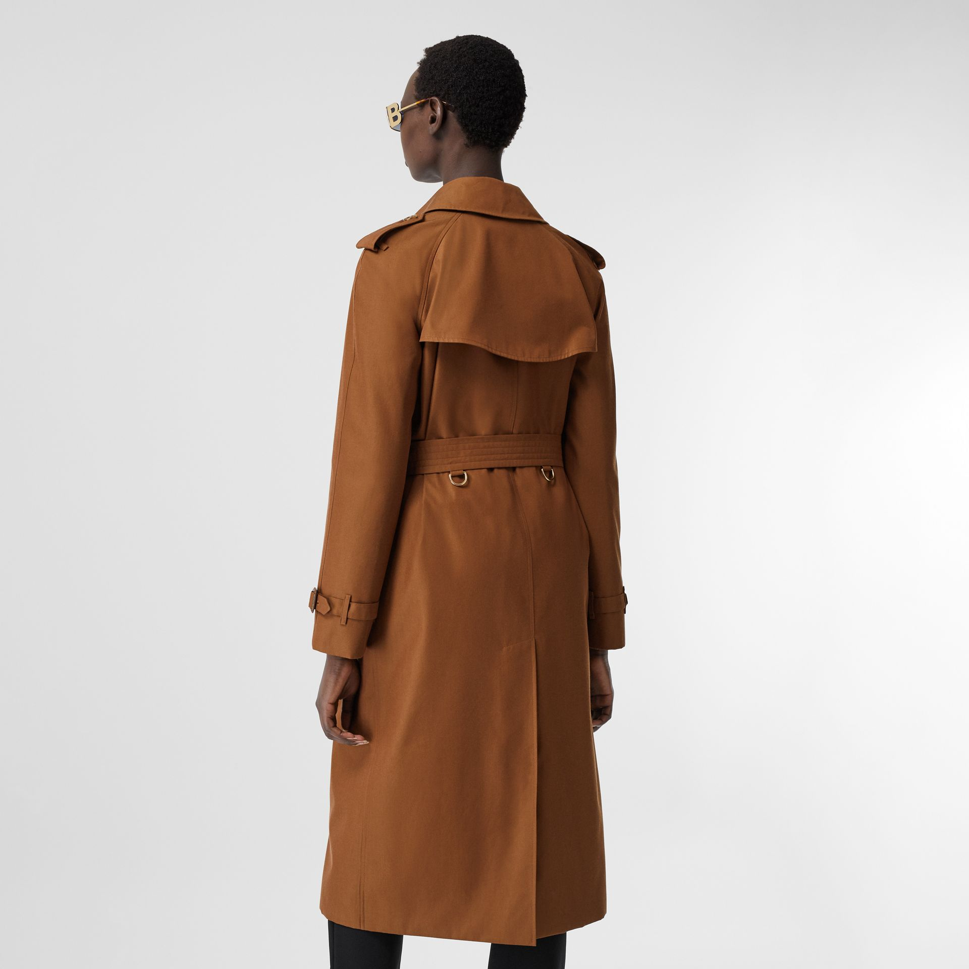 The Waterloo Heritage Trench Coat in Chestnut Brown - Women | Burberry - gallery image 2