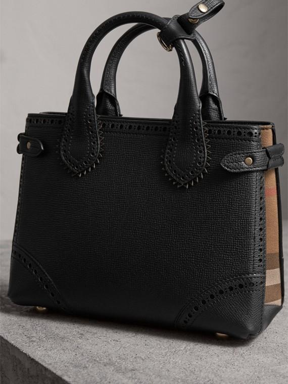Bolsa Banner pequena de couro com detalhe brogue (Preto) - Mulheres | Burberry - cell image 2