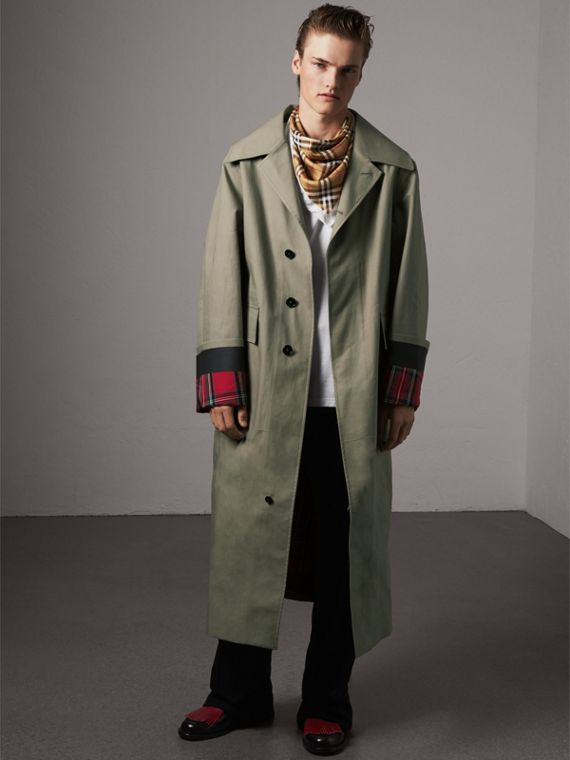 The Burberry Bandana in Vintage Check Silk | Burberry - cell image 3