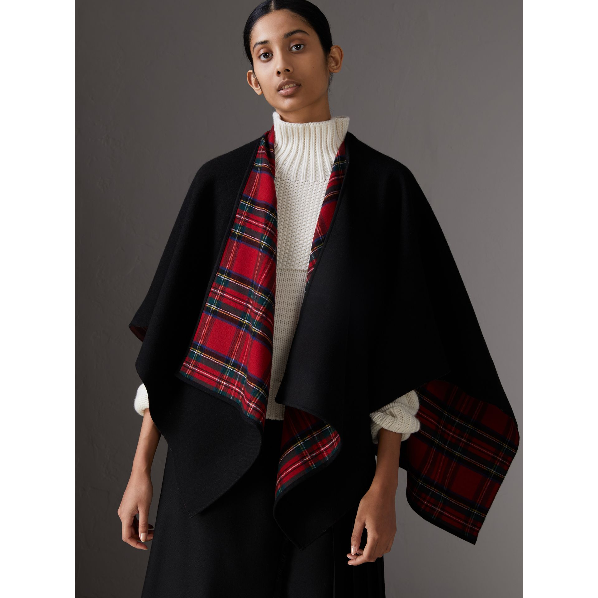 Reversible Cropped Tartan Wool Poncho in Black | Burberry Australia - gallery image 0