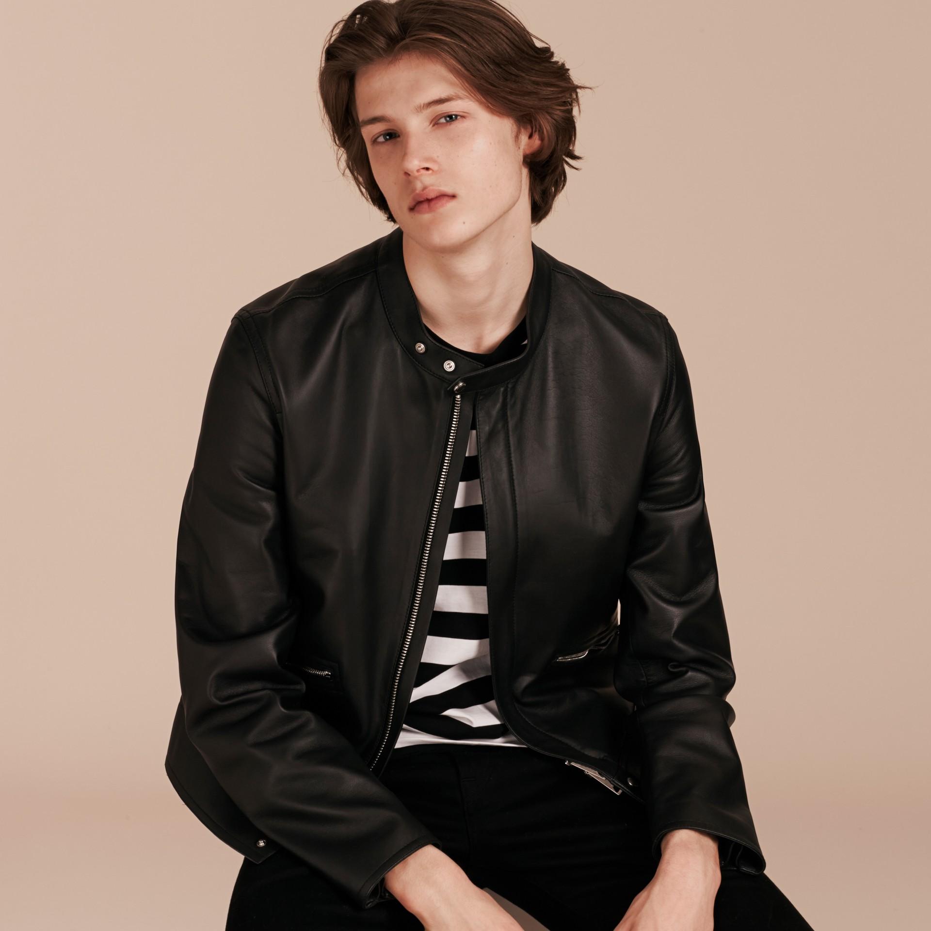 Черный Байкерская куртка из кожи ягненка - изображение 7