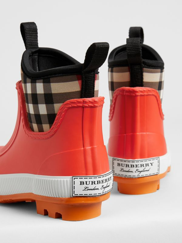 Vintage Check Neoprene and Rubber Rain Boots in Bright Red - Children | Burberry Singapore - cell image 2
