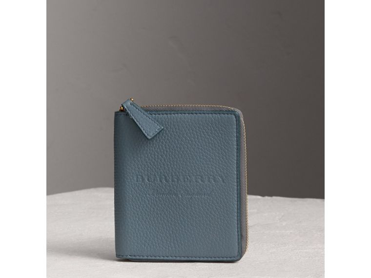 Embossed Grainy Leather Ziparound A6 Notebook Case in Dusty Teal Blue | Burberry - cell image 4
