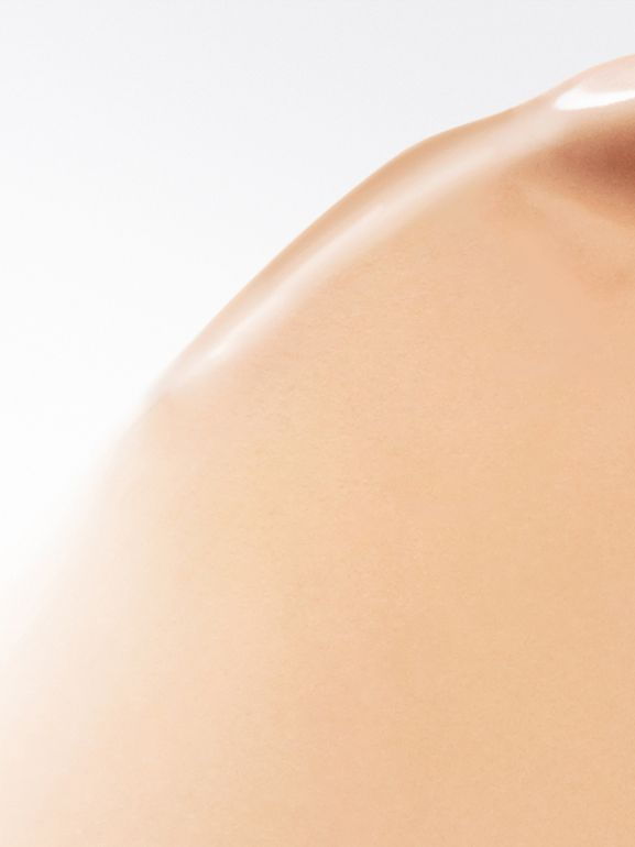 Fresh Glow B.B. Cream – Nude Rose No.01 - Women | Burberry United Kingdom - cell image 1