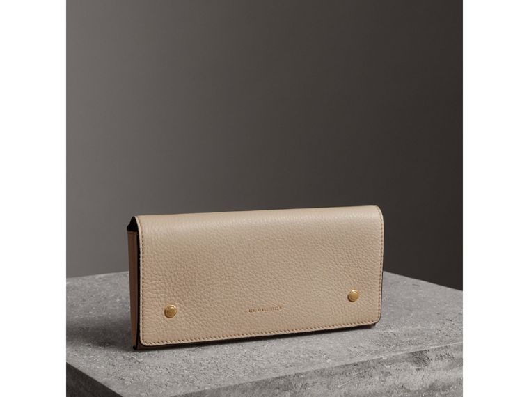 Two-tone Leather Continental Wallet in Limestone - Women | Burberry Australia - cell image 4
