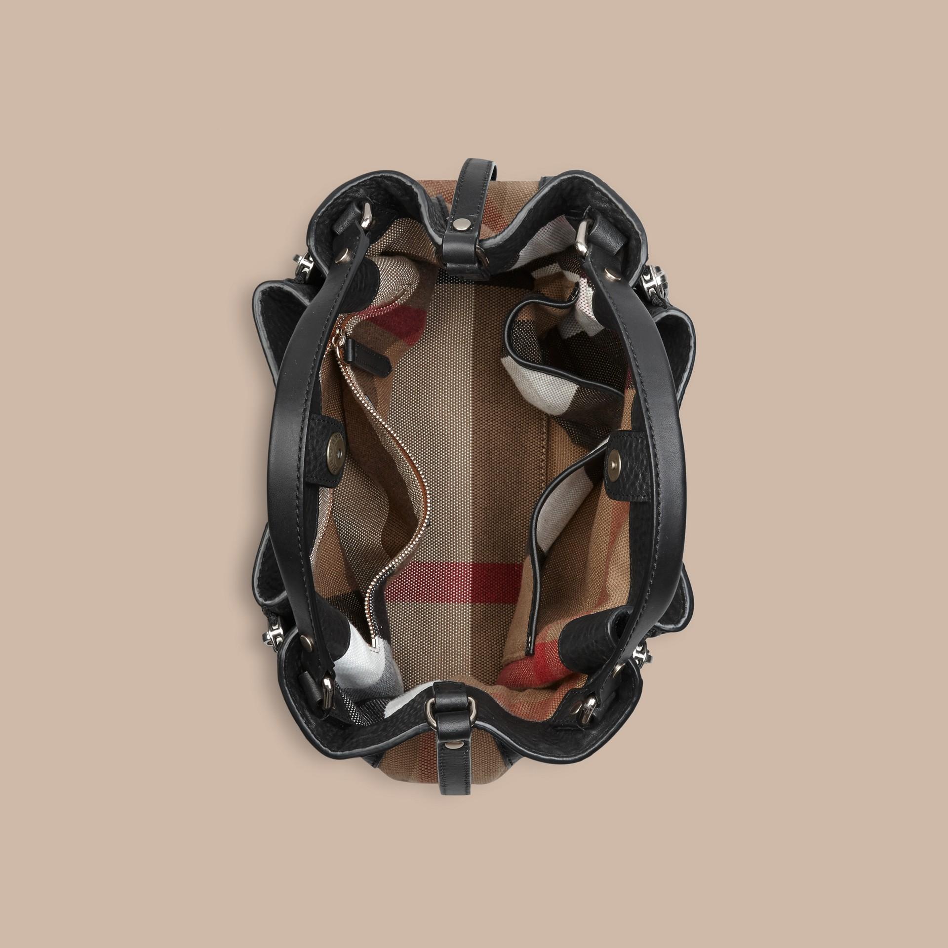 Черный Сумка-тоут из кожи со вставками в клетку Черный - изображение 7