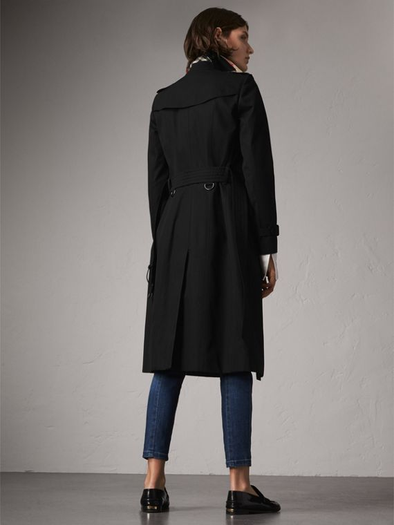 The Chelsea – Extra-long Heritage Trench Coat in Black - Women | Burberry Canada - cell image 2