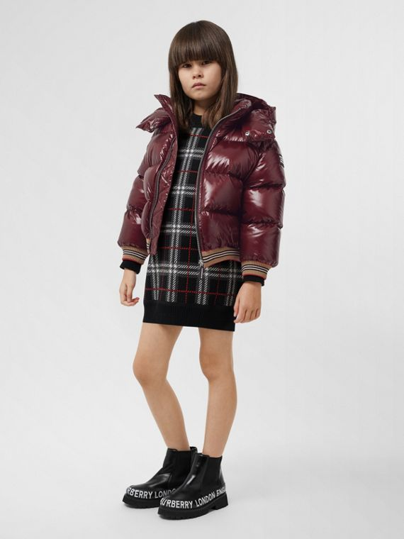 Icon Stripe Detail Hooded Puffer Jacket in Burgundy