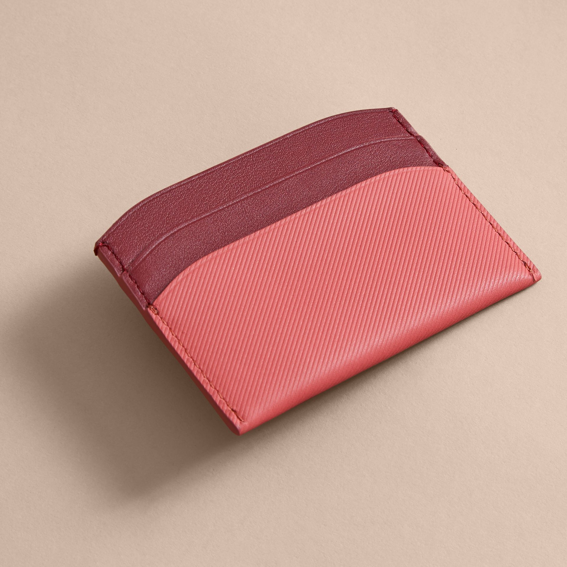 Two-tone Trench Leather Card Case in Blossom Pink/ Antique Red | Burberry - gallery image 2
