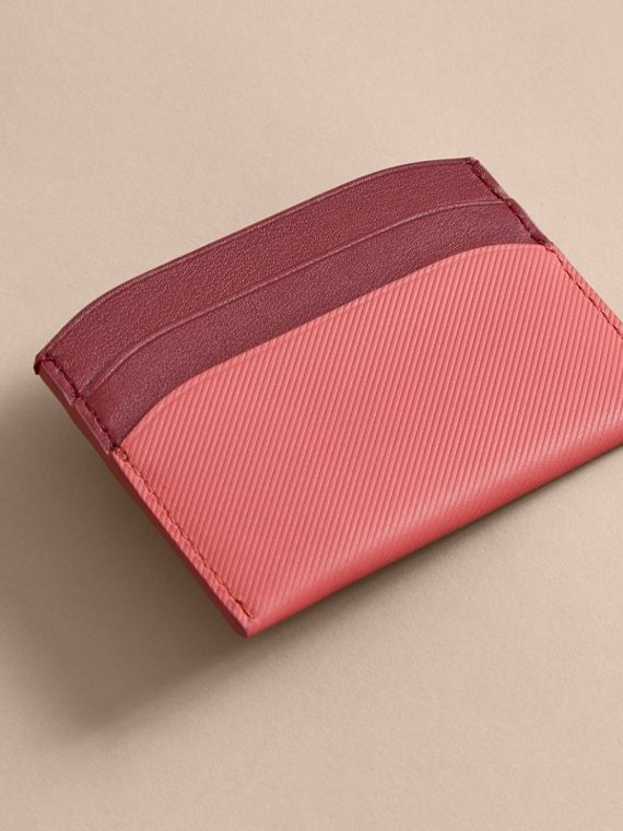 Two-tone Trench Leather Card Case in Blossom Pink/ Antique Red - Women | Burberry - cell image 2