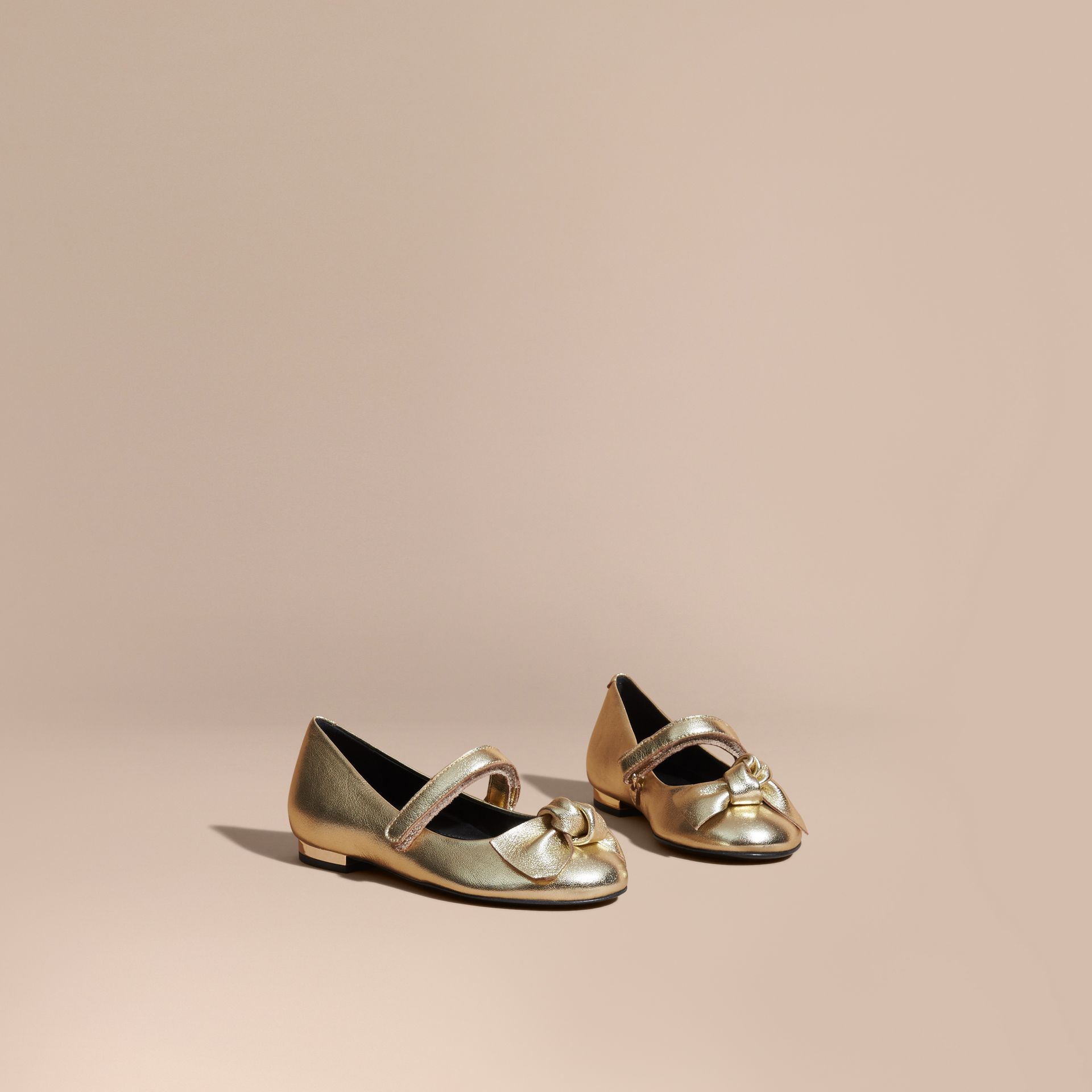 Bow Detail Metallic Leather Ballerinas Platinum - gallery image 1