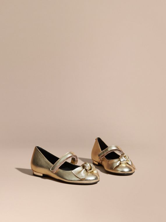 Bow Detail Metallic Leather Ballerinas in Platinum