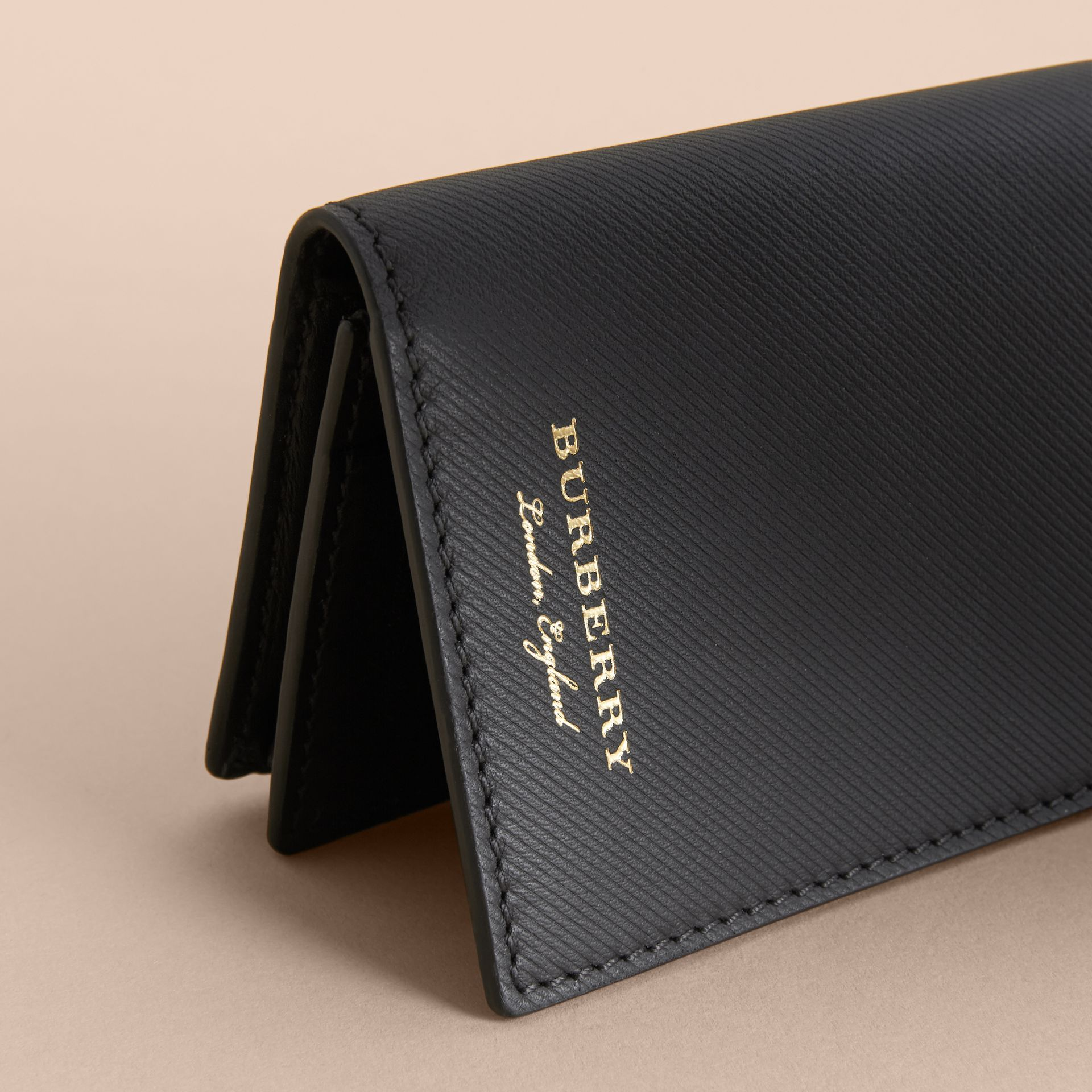 Trench Leather Folding Card Case in Black - Men | Burberry - gallery image 2