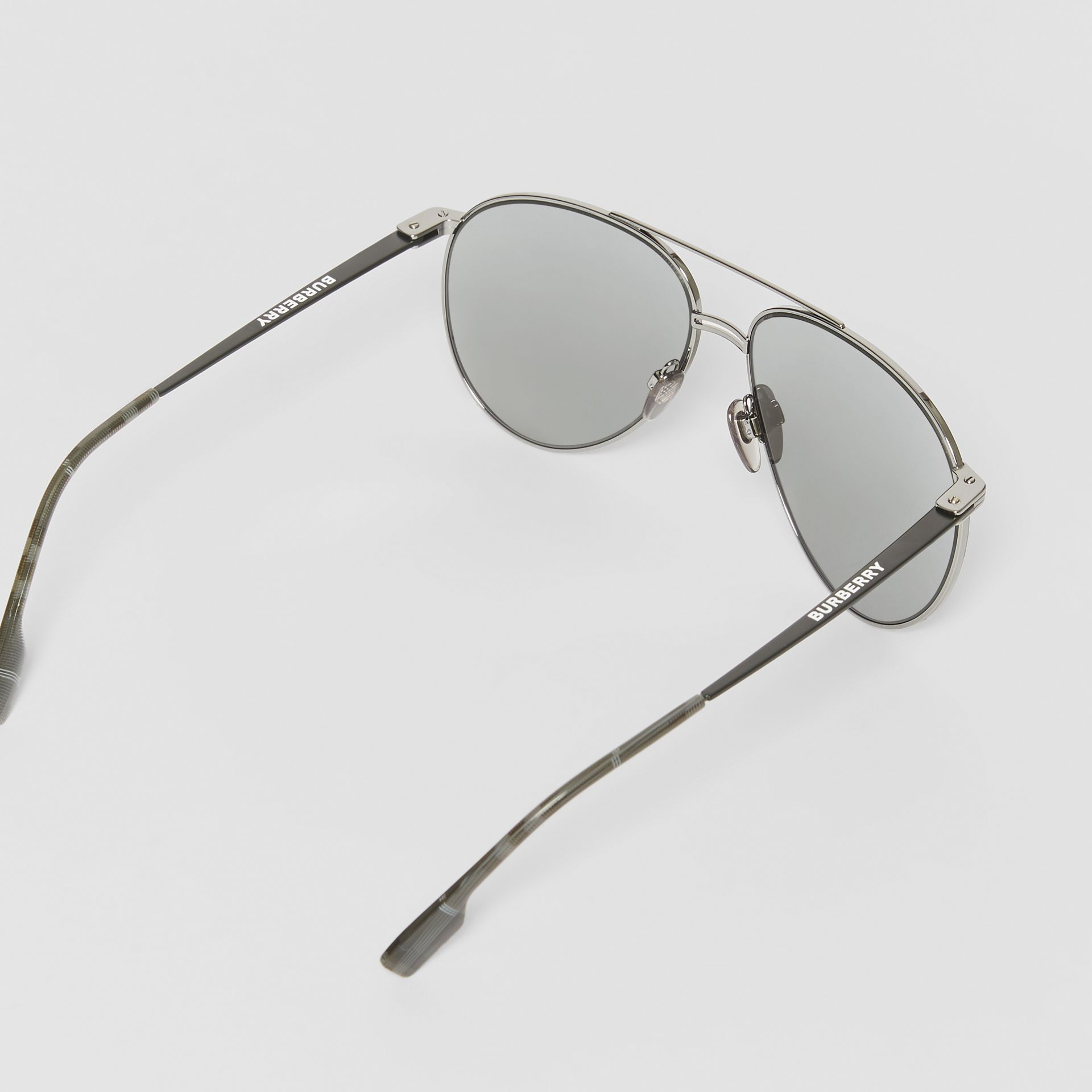 Top Bar Detail Pilot Sunglasses in Gunmetal/black - Men | Burberry - gallery image 4