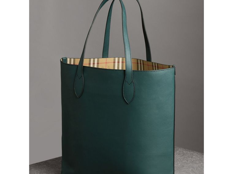 Graffiti Print Bonded Leather Tote in Deep Bottle Green | Burberry - cell image 4