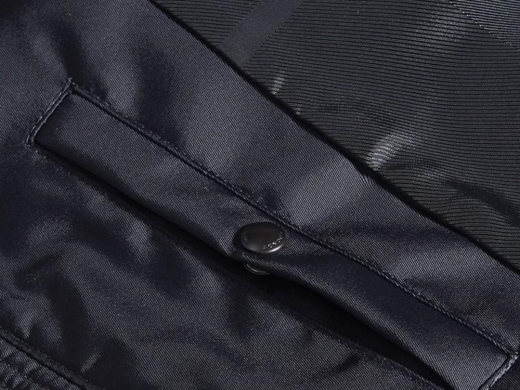 Marine Veste en tissu technique à capuche repliable - cell image 1