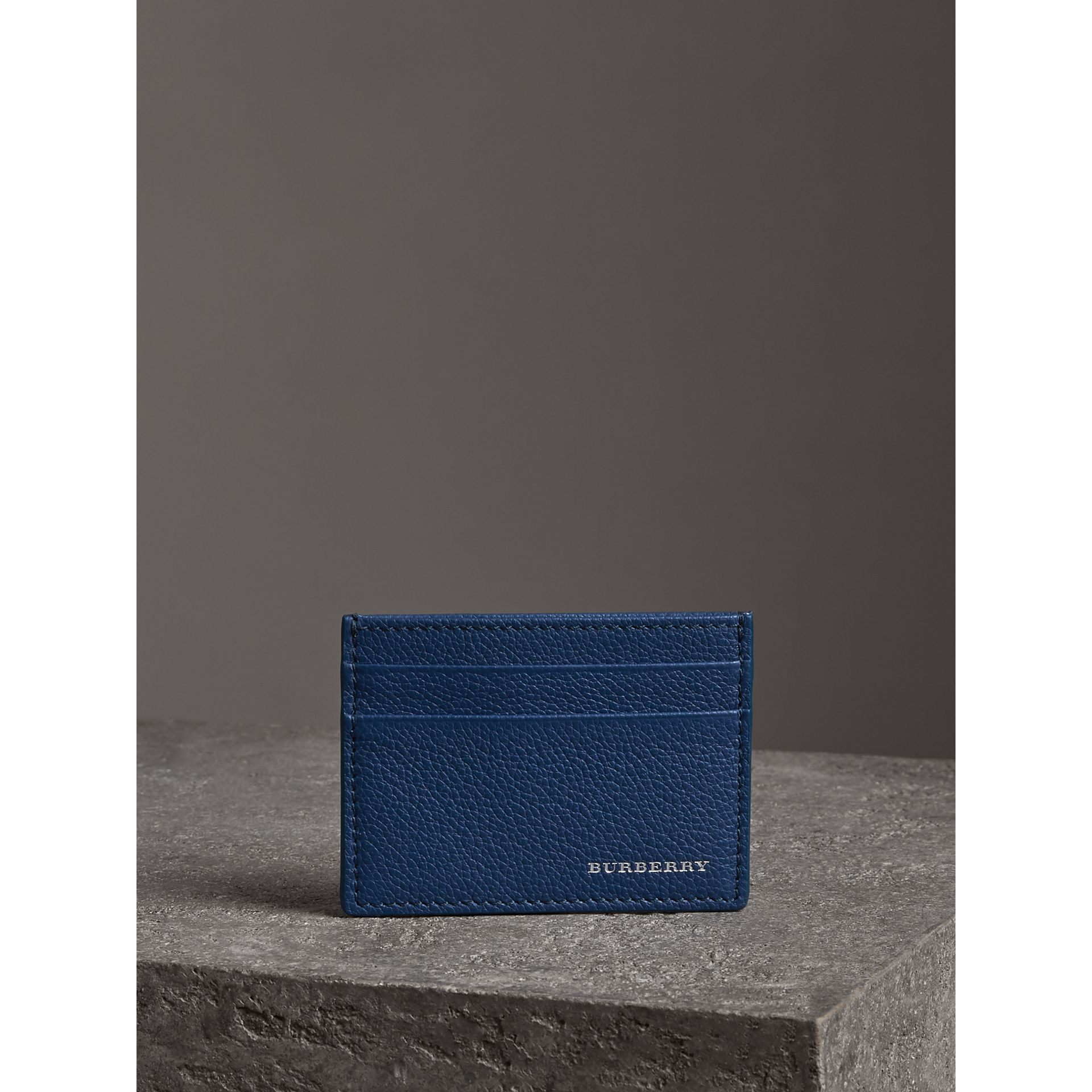 Grainy Leather Card Case in Bright Ultramarine | Burberry Hong Kong - gallery image 4