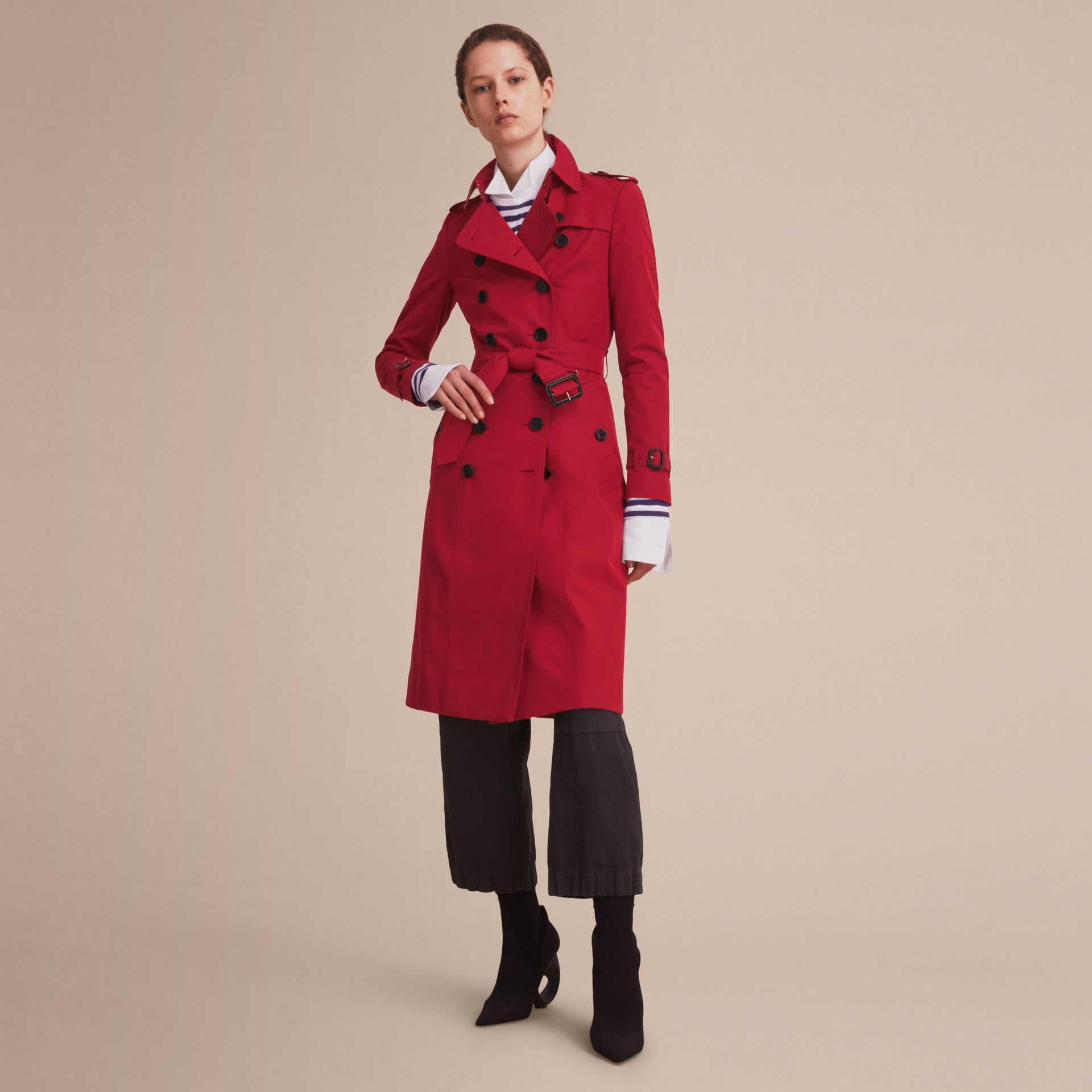 Parade red The Chelsea – Extra-long Heritage Trench Coat Parade Red - gallery image 8