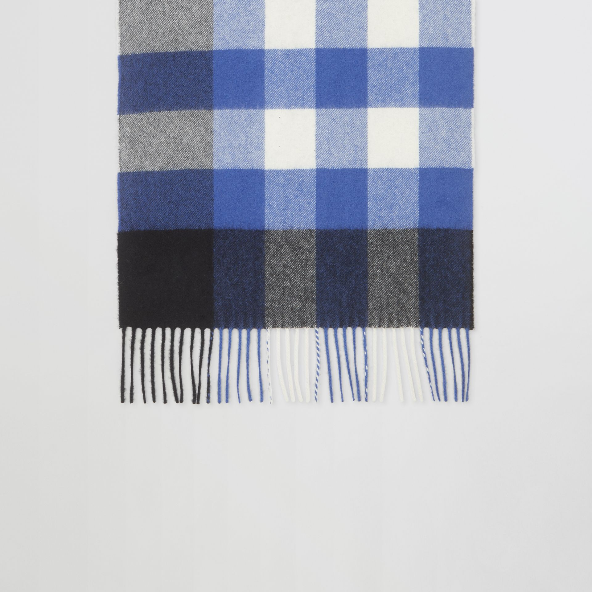 Check Cashmere Scarf in Black/bluebell | Burberry Canada - gallery image 4