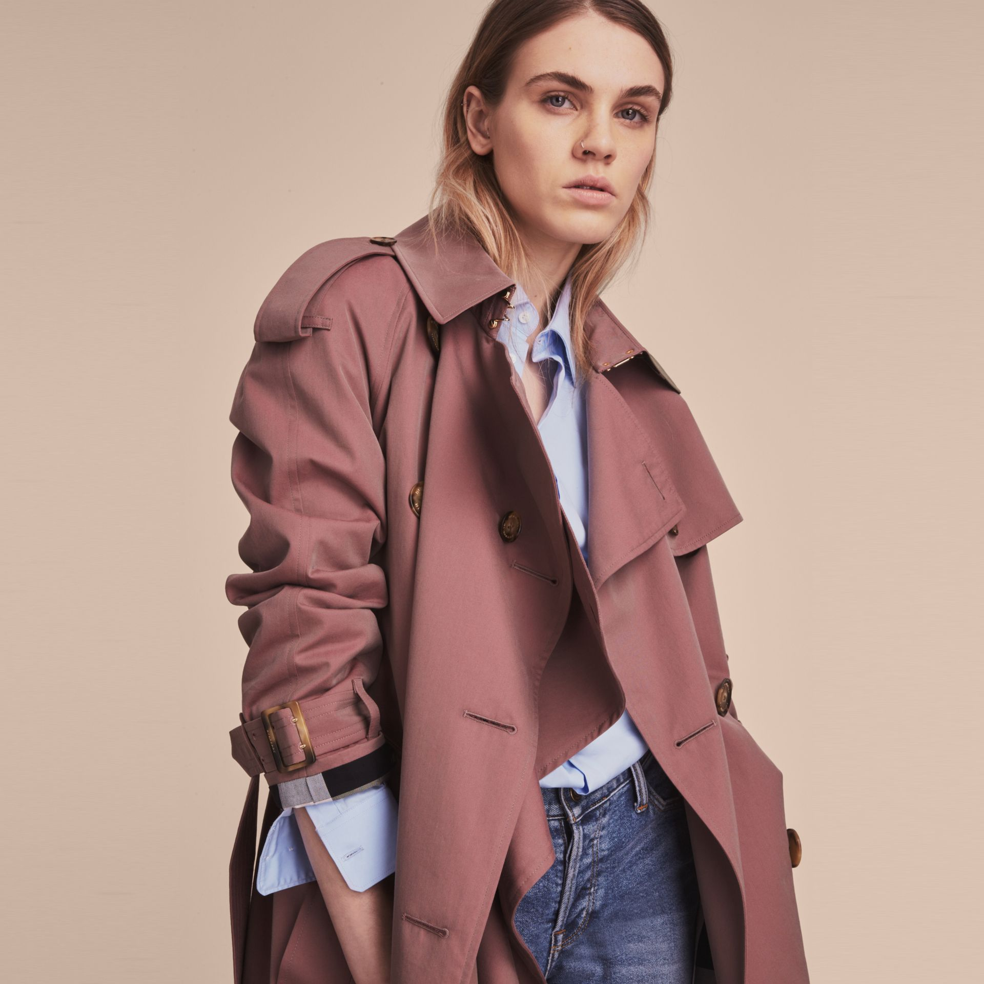 Tropical Gabardine Trench Coat in Antique Rose - Women | Burberry Canada - gallery image 5