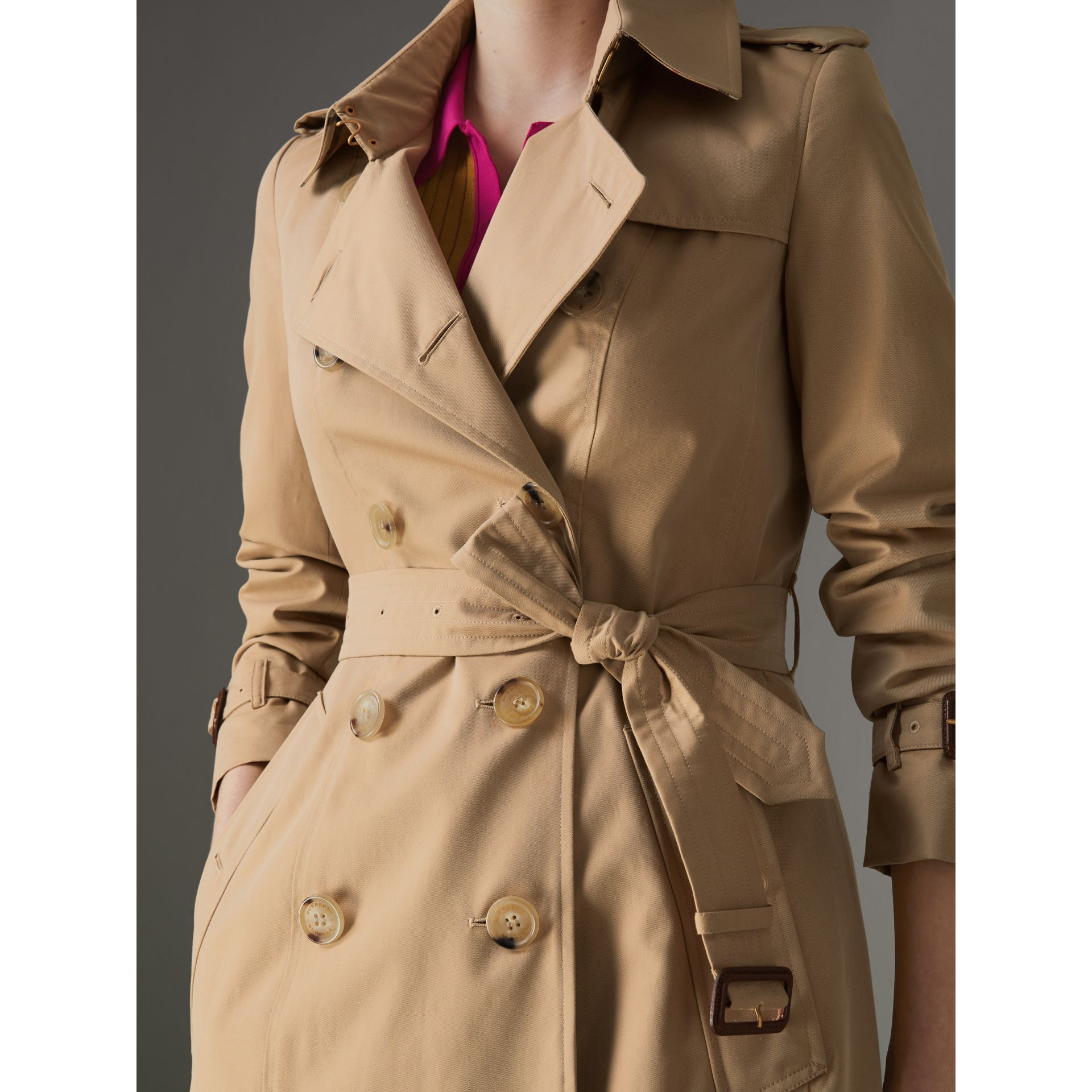 The Long Chelsea Heritage Trench Coat in Honey - Women | Burberry - gallery image 1