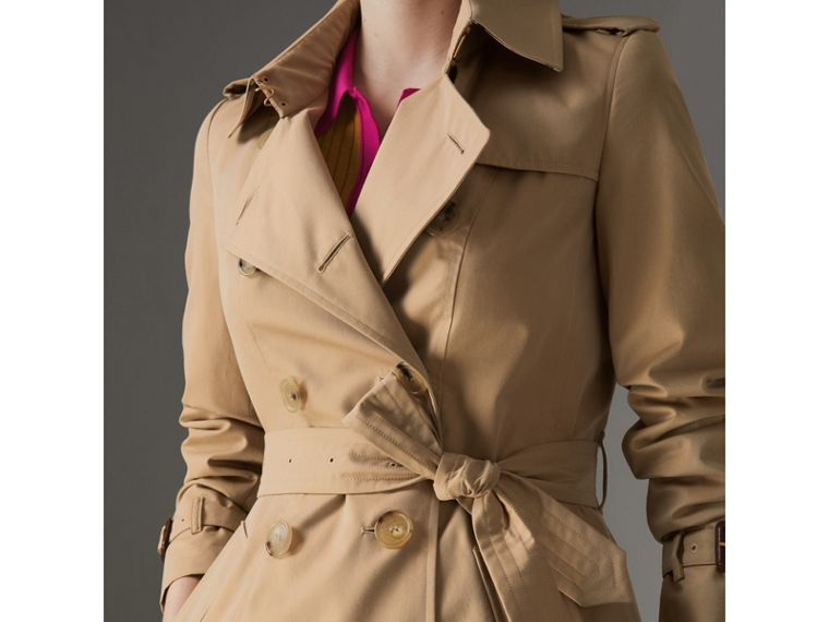 The Long Chelsea Heritage Trench Coat in Honey - Women | Burberry - cell image 1