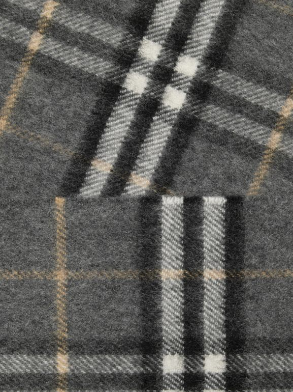 The Classic Vintage Check Cashmere Scarf in Pewter Grey | Burberry United Kingdom - cell image 1