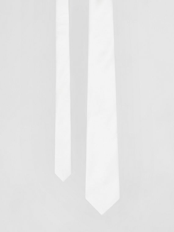 Classic Cut Silk Tie in Natural White