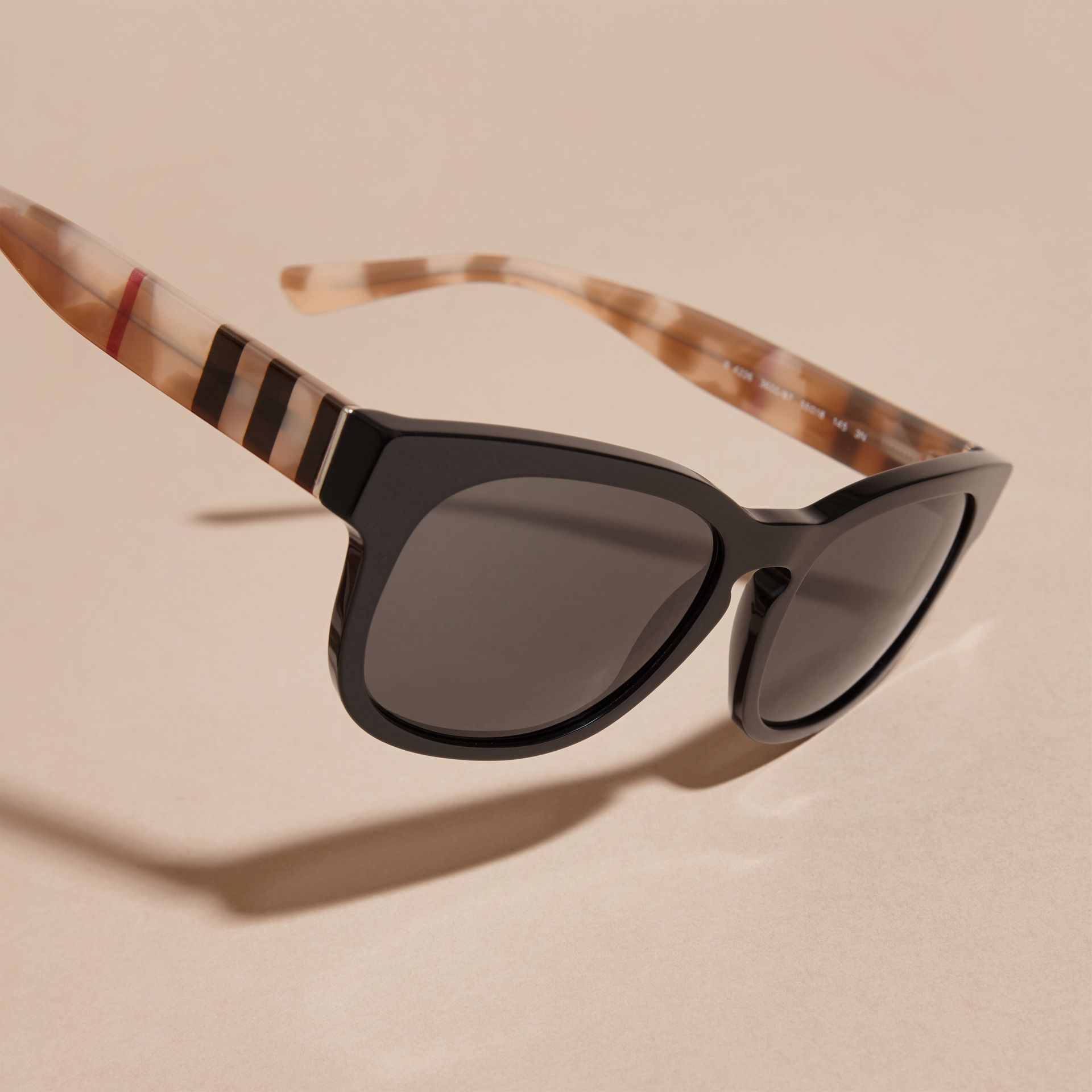 Check and Camouflage Detail Square Frame Sunglasses Black - gallery image 3