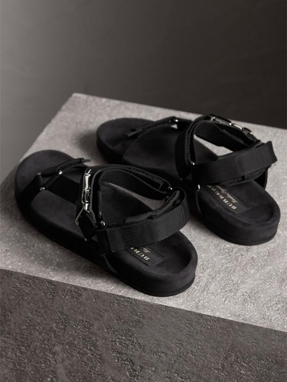三點式繫帶防撕材質涼鞋 (黑色) - 男款 | Burberry - cell image 3