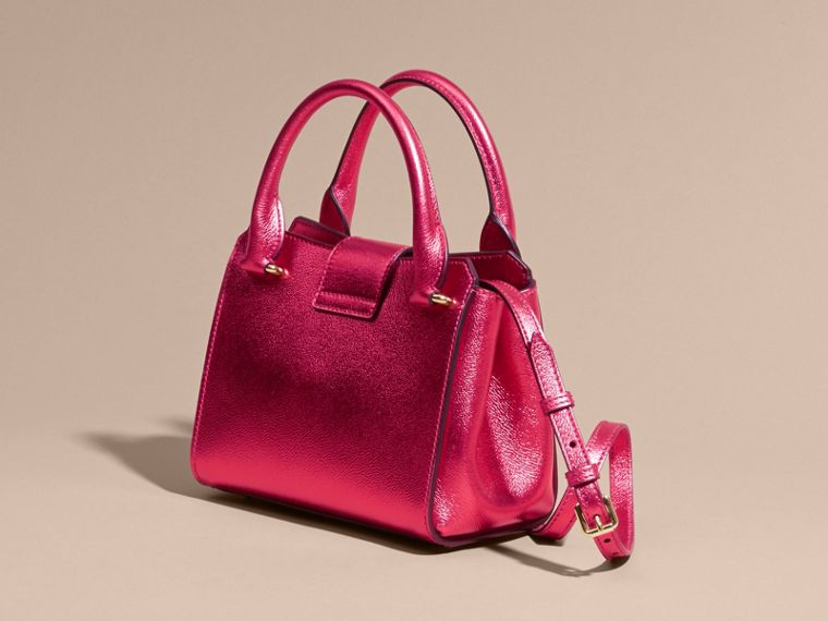 The Small Buckle Tote in Metallic Leather Bright Pink - cell image 4