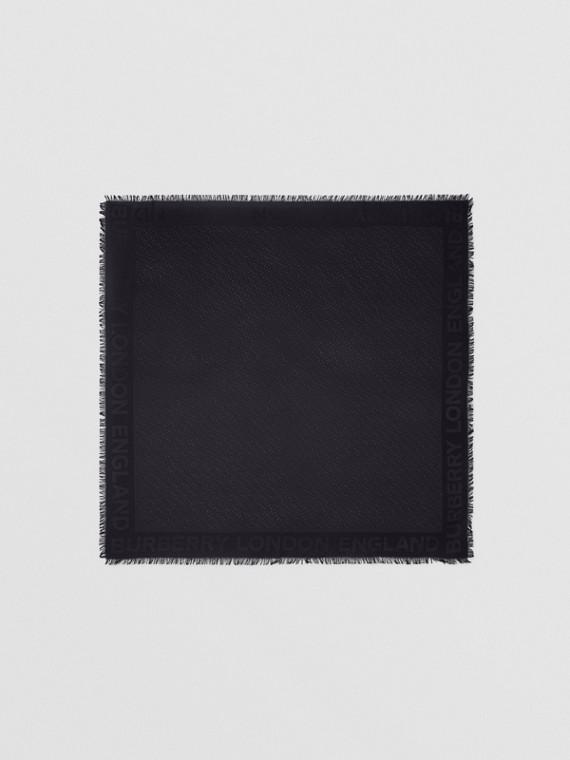 Foulard grande in seta e lana con lavorazione jacquard e monogramma (Nero)