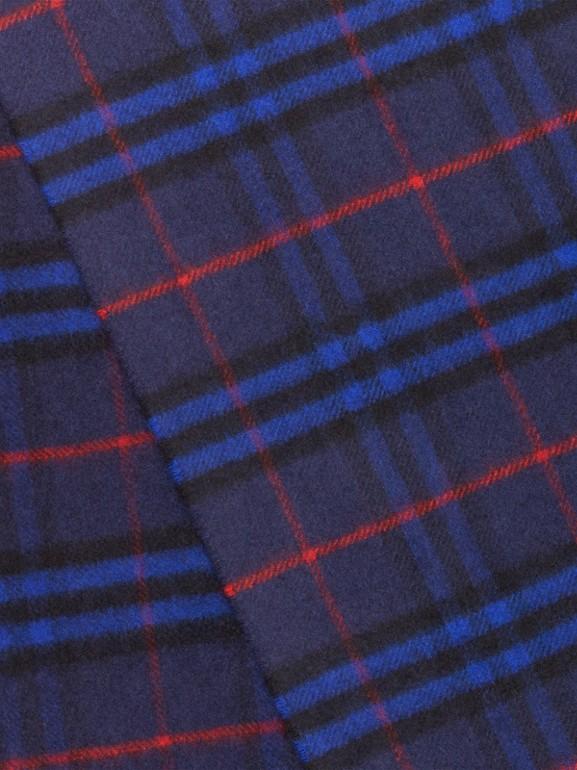 Der klassische Kaschmirschal mit Vintage Check-Muster (Leuchtendes Marineblau) | Burberry - cell image 1