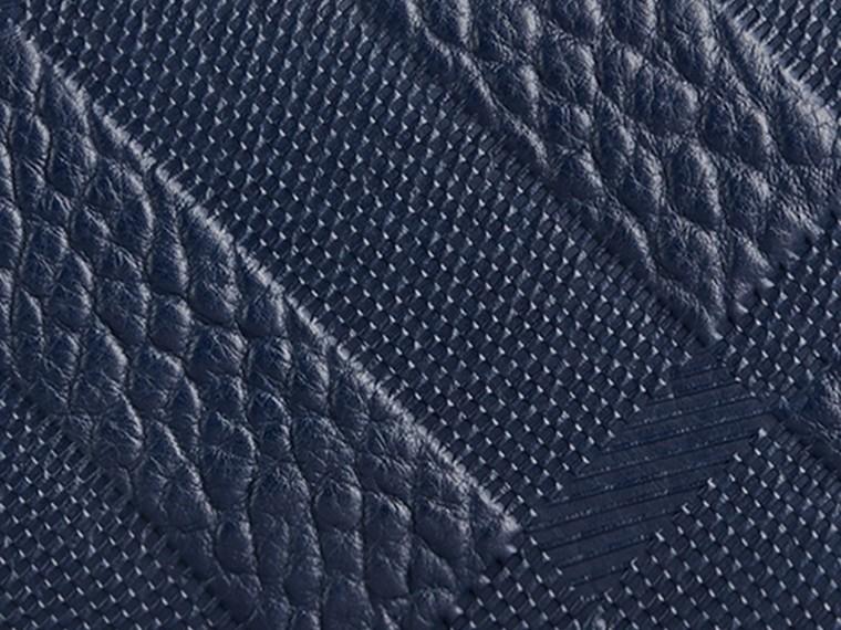 Bleu carbone Portefeuille continental en cuir à motif check estampé Bleu Carbone - cell image 1