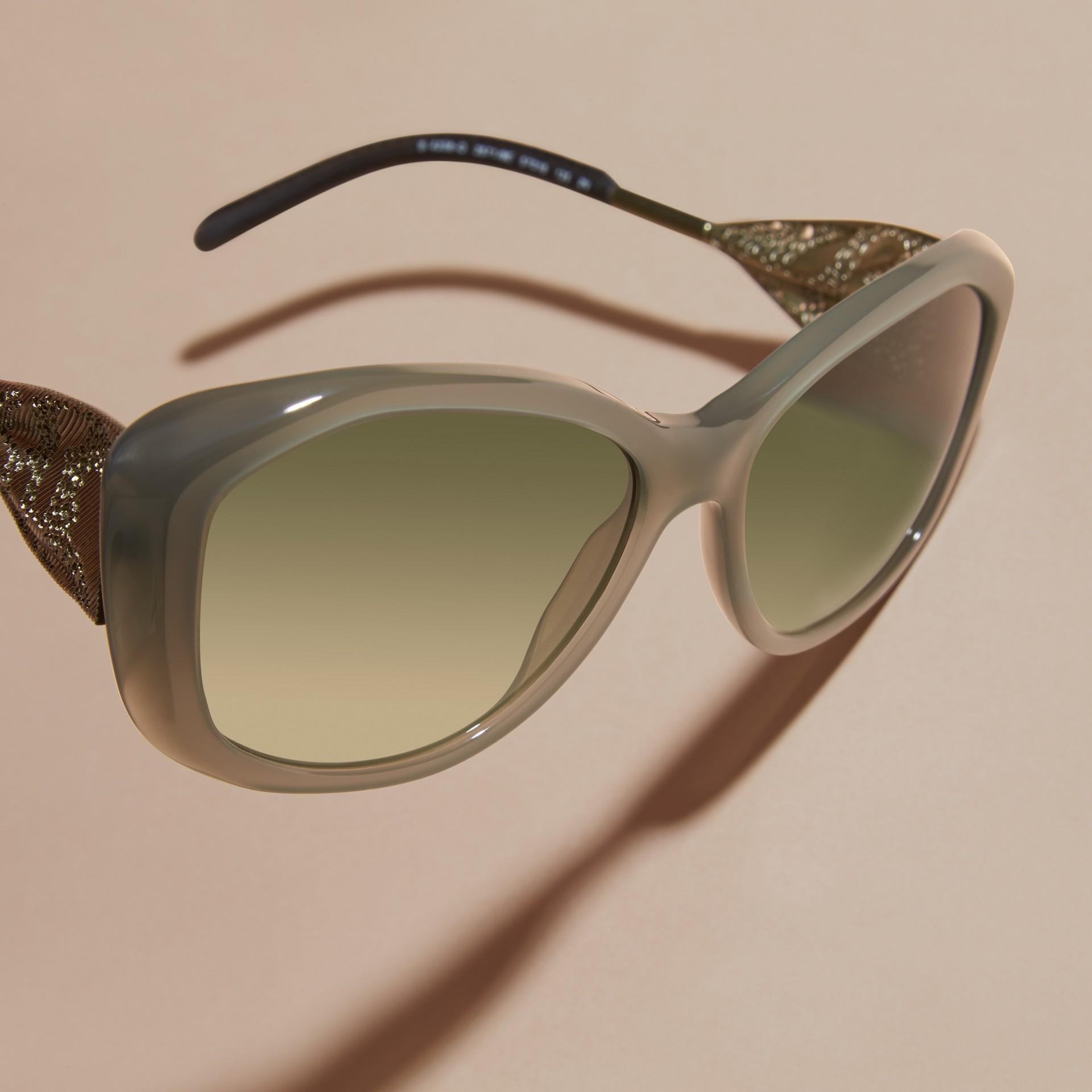 Verde ópalo Gafas de sol con montura cuadrada de la colección Encaje de gabardina Verde Ópalo - imagen de la galería 3